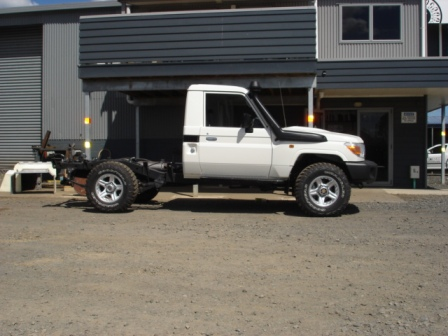 Toyota Landcruiser BEFORE custom made deck fitted